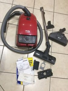 MIELE CAT AND DOG S316i-2  CYLINDER VACUUM CLEANER