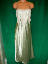Oscae De La Renta sage/cream lace silky long gown sz M Bust about 35-36 Very Nic