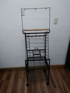 Parrot play stand in mint condition