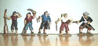 BRITIANS? 5 Pirates Buccaneers .r 1/32 54MM Toy Soldiers PLASTIC ......A