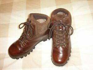 MENS HIKING/WALKING/TRAIL BOOTS SIZE 8.5 EU 42 2/3 BY BRASHER HILLMASTER