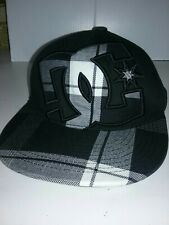 """DC Fitted Cap Hat 6 7/8-7 1/4"""" Plaid Black White Flexfit FLAT BILL 210 FITTED"""