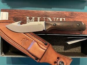 BENCHMADE MOUNTIAN SKINNER WITH HOOK LEATHER SHEATH