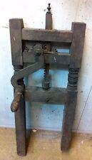 Particolare attrezzo meccanico del passato. Legno e ferro. Epoca '800. H.95x36x6