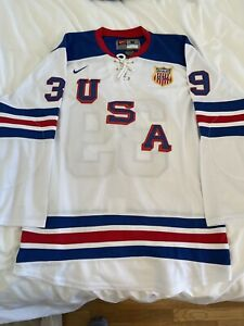 Nike team USA Olympic Hockey Jersey - Medium - Ryan Miller