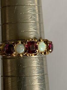Pretty Victorian 15ct Gold Opal & Garnet Set Ring