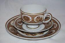 Wallendorf Porcelaine Tea. Tasse, Soucoupe & Plaque latérale. fabriqué en RDA après 1953 pré 1980