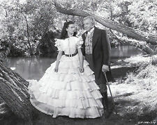 """""""Gone With The Wind""""  Vivien Leigh & Thomas Mitchell  8""""x10"""" B&W Photo GW-01"""