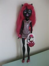 Monster High Catty Noir Scaremester Black Doll in Original Outfit w/Purse Lot 1