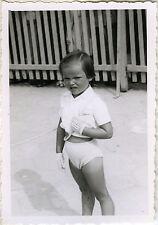 PHOTO ANCIENNE - VINTAGE SNAPSHOT - ENFANT MODE ÉLÉGANCE GANT GRIMACE DRÔLE
