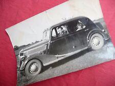 PHOTOGRAPHIE ANCIENNE automobile RENAULT CELTA 4 photo de famille vers 1940