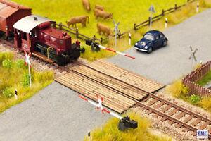 N14424 Noch TT Scale Wooden Plank Level Crossing