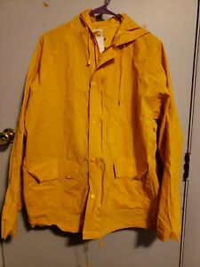 Bass Pro Shops Rain Coat size S Yellow