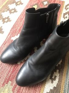 womens clarks boots size 6