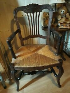 Ancien fauteuil provencal bois et assise paillé