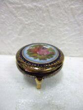 Ancienne petite boite tripode en porcelaine de Limoges