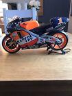 Guiloy 1/6 Scale 16265 Honda NSR500 Repsol Honda Moto Gp Bike