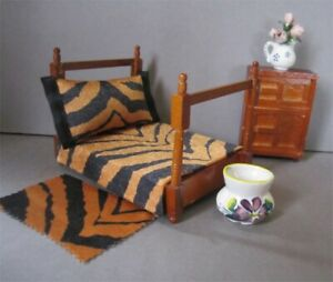 Wooden Bed Room Set With Tiger Accents & Porcelain Décor Pieces