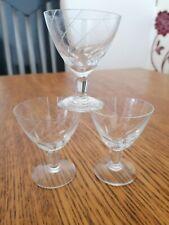 VINTAGE ART DECO STEMMED LIQUEUR GLASSES X 3 ETCHED STRIPE DESIGN