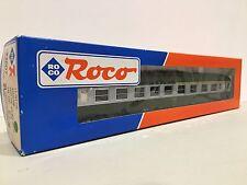 ROCO 44607 - Voiture UIC A4B5 verte 1/2 cl de la SNCF ep IV SNCF - HO
