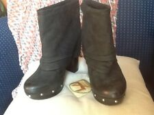 VINCE CAMUTO COCO DISTRESSED FOLDOVER STUDDED BOOTS EUC!!!! SZ 10