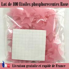 Décoration étoiles phosphorecentes chambre d'enfant rose brille dans le noir