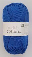 Lanas e hilos color principal azul de algodón
