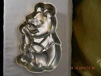 Wilton WINNIE THE POOH cake pan GOLD DISNEY BIRTHDAY BEAR metal baking mold tin