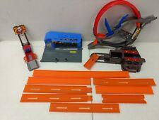 HOT WHEELS 12 Piece Track & Accessories Speedys Dealership, Loop, Launcher
