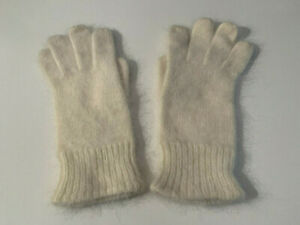 Vintage Women's Angora (?) Gloves Cream Ivory Knit Wrist Length