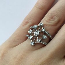 Right Hand Ring in 18k Gold F-G 0.55 Ct Round Brilliant Cut Diamond Star