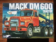 ERTL / MPC 1/25 MACK DM 600 TRACTOR PLASTIC TRUCK MODEL KIT # 859 BRAND NEW F/S