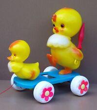 Ancien jouet à tirer CANARD CLAIRBOIS vintage jeu plastique jaune old toy DUCKS