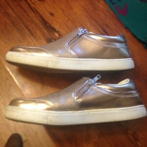 ROSE GOLD WOMEN'S ATH LEISURE SHOES - SIZE 10 - BRASH