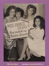 PHOTO DE PRESSE 1959 : Melle CAIN, MISS FRANCE 1960 PRÉSENTE SES VOEUX -S11
