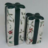 Pfaltzgraff Winterberry Tall Christmas Present Packages Salt Pepper Shaker Set
