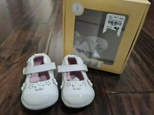 Robeez Ms Plain jane White Mary Shoes Sz 2 Girls 3-6 months leather New Infant