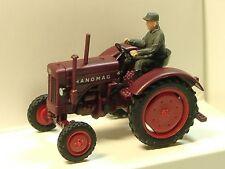 Wiking Hanomag R 16 Traktor mit Fahrer in rotbraun - 0885 03