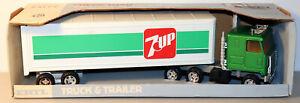 DTE VINTAGE ERTL # 3657 7 UP CHEVY TITAN TRACTOR TRAILER TRUCK NIOB