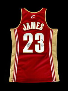 CAVALIERS LEBRON JAMES SIGNED JERSEY +2 AUTOGRAPHED NBA BASKETBALL LAKERS +COA
