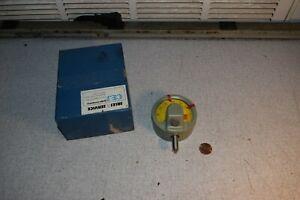 "CEJ Gage Company 502E-4 Mikrokator .00005"" Indicator"