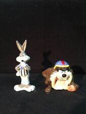 Looney Tunes 1993 Bugs Bunny And Taz Salt And Pepper Shakers Football Theme VTG