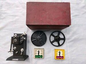 Ancien projecteur de cinéma LAPIERRE avec bobine film 9,5mm Chaplin, Laurel