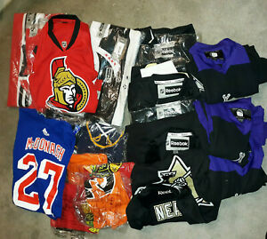 ADIDAS REEBOK NHL JERSEYS AND T-SHIRTS LOT OF 20 ASSORTED MEN'S AND WOMEN'S
