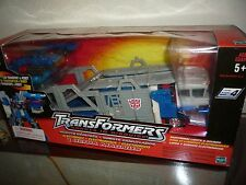 2001 Transformers Robots in Disguise Ultra Magnus Level 4 Car Transport Electric