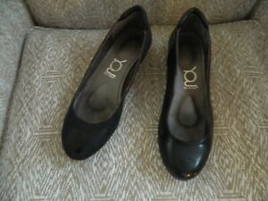 Woman's YOU by Crocs black slip on shoes size 7