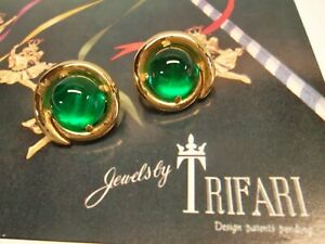 Vintage Signed Crown TRIFARI Jelly Belly Emerald Green Clip Earrings Gold Tone