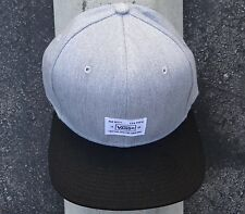New Vans Blocked Mini Gray Mens Snapback Hat One size Fit HTVNS-309
