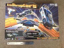 Artin disruptores/Skyway Kickers Slot Car Set como carrera go o Scalextric