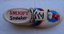 SNOOPY SNEAKER - 1958 UNITED FEATURE SYNDICATE SQUEAK SQUEEZE TOY Con Agra